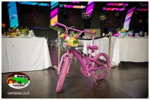 אופניים עם פרחים לאירועים